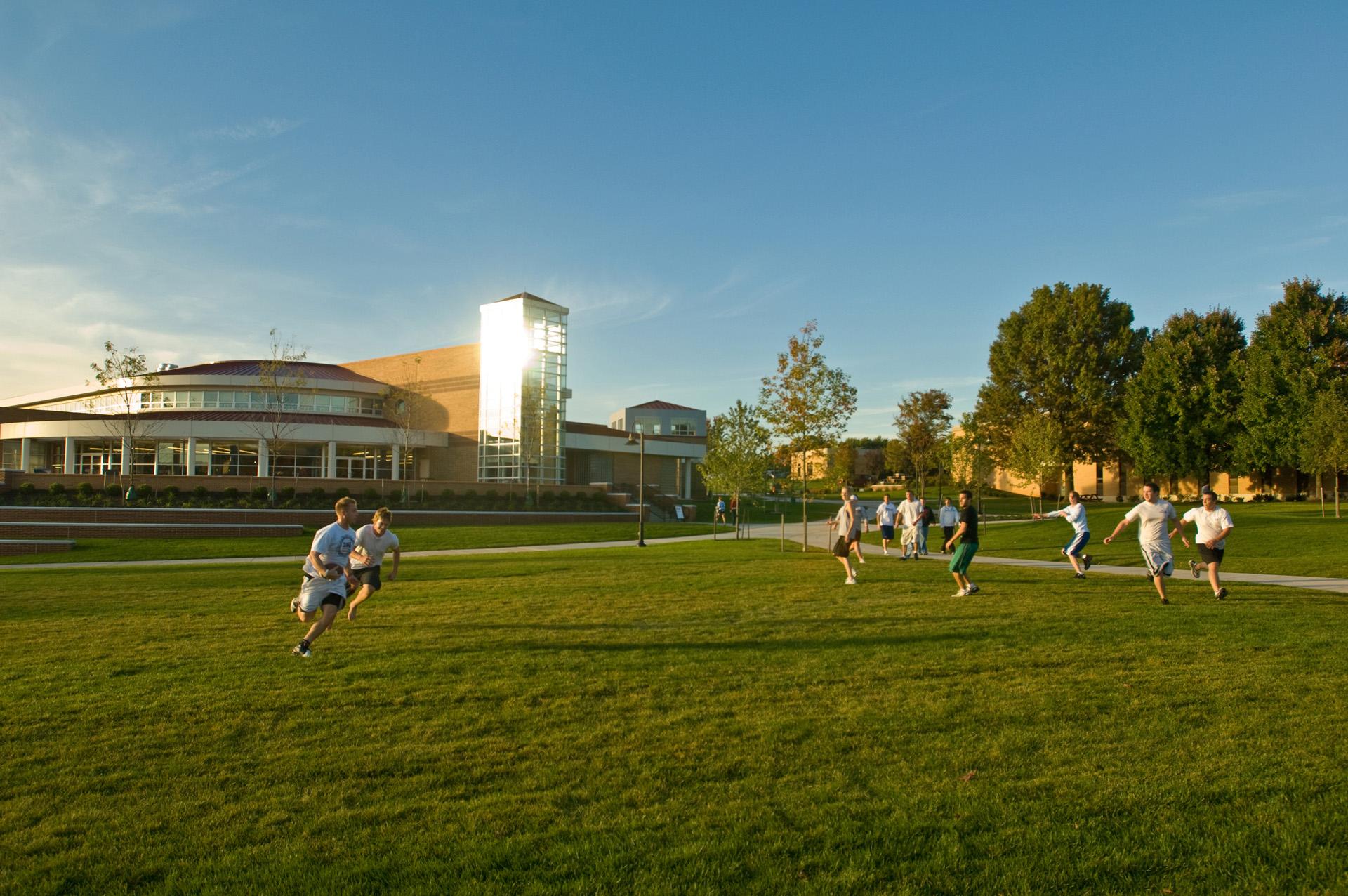 Alvernia Campus Commons Frisbee