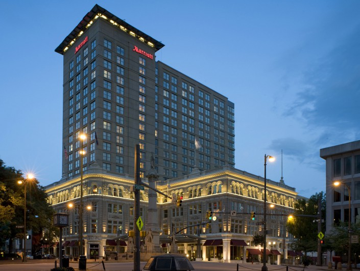 Lancaster Marriott Hotel and Convention Center at Night